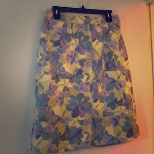 Mid length casual skirt